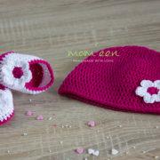 Babymützen-Set Mila mit Blüte in cyclam weiß